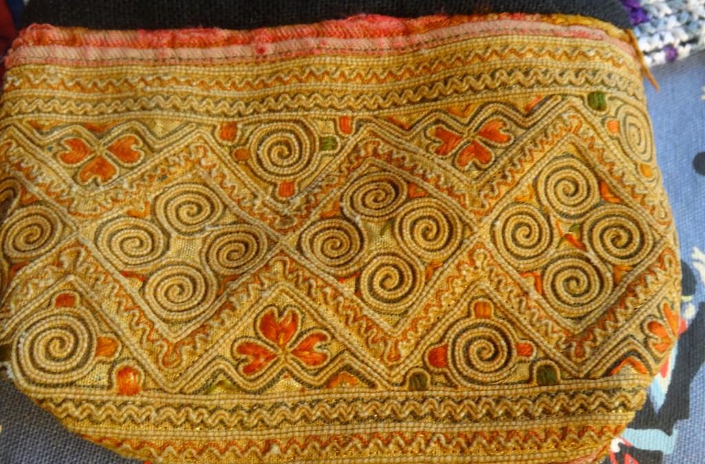 ラオスポシャット刺繍